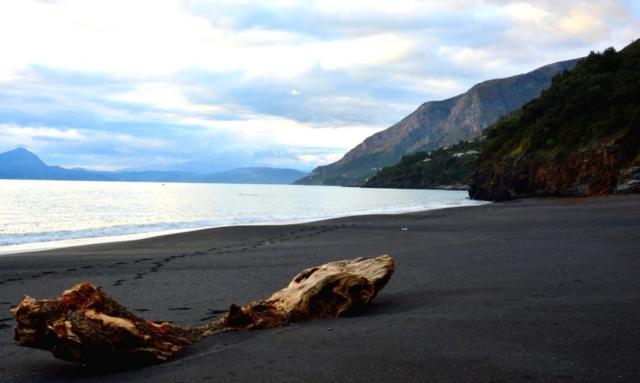 Spiaggia nera